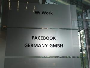 Facebook Christmas in Summer Berlin 06