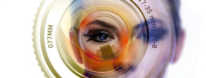 Gesicht und Fotolinse